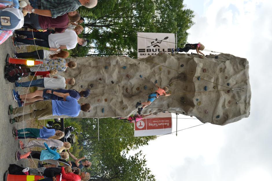 klatrevegg, zipline og slakk line var populære aktiviteter