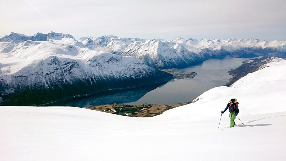 Trend: Toppturer på ski er i ferd med å bli en ny folkesport i Norge. Et av målene med varsom.no er å få ned ulykkestallene.