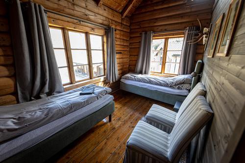 Et av de flotte soverommene med deilige komfortable senger.