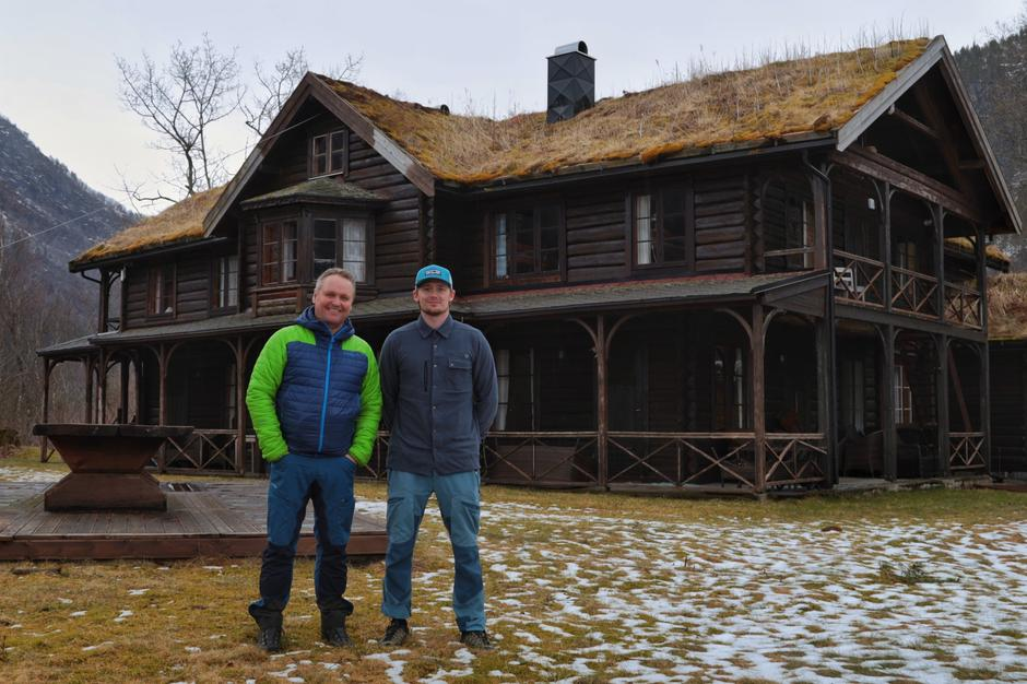 Stian og Arve Evensen er bestyrere av Todalshytta.