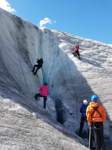 Austerdalsbreen er fin å ha isklatring i.