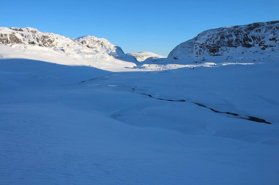 Mangædne elva Blaudevassbekken begynner å fryse 850 moh 16.01.2017