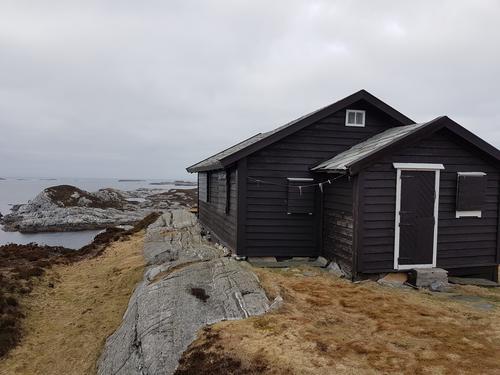 Dethloff-hytta, Ono i Øygarden