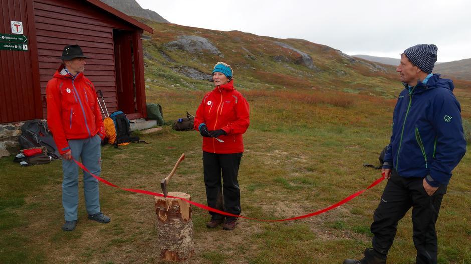 Ketil Dalhaug fra Rana Turistforening, Anne Mari Aamelfot Hjelle fra DNT sentralt og Bjørnar Nystrand fra Bodø og Omegn Turistforening stod for åpningen.
