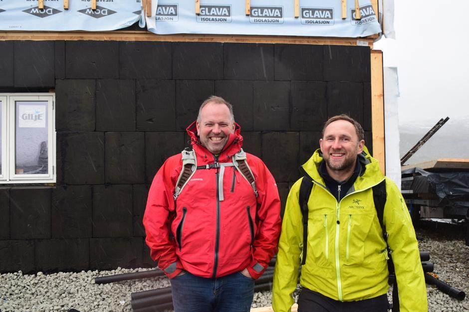 Lasse Ådlandsvik fra Bergen Rørteknikk og Kristian Hegglund fra Frøland  Noss Elektro.