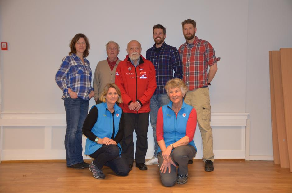 Styret 2015: Fra venstre: Gunnhild Holmen, Tor-Herman Næss (nestleder), Einar Skage Andersen (leder), Erlend Haaverstad, Even Sjølie. Foran fra venstre: Trine Hansson og Liv Frøysaa Moe