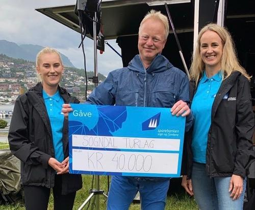 Sogndal Turlag fekk gåve på 40.000
