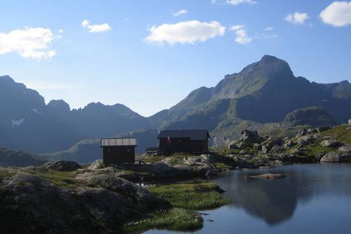Egne nøkler til alle hyttene til Lofoten turlag