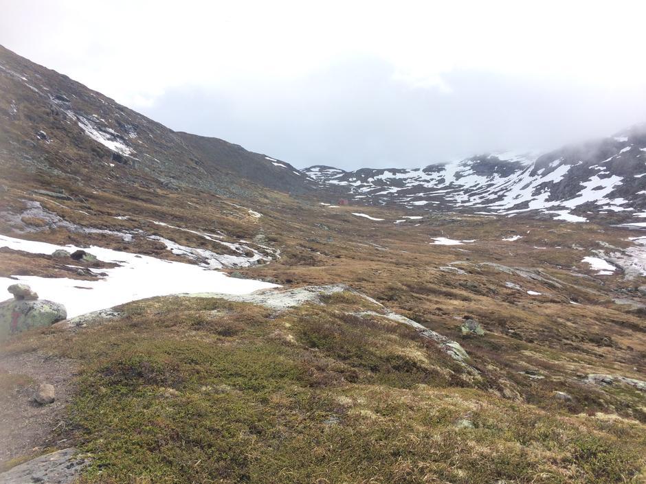 Lørdag 3.6: Kinsarvik - Stavali. Sistnevnte i bakgrunnen.