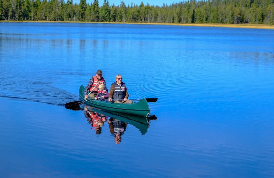 Leier du utleiehyttene på Åkersætra og Skolla har du samtidig tilgang på kanoer.