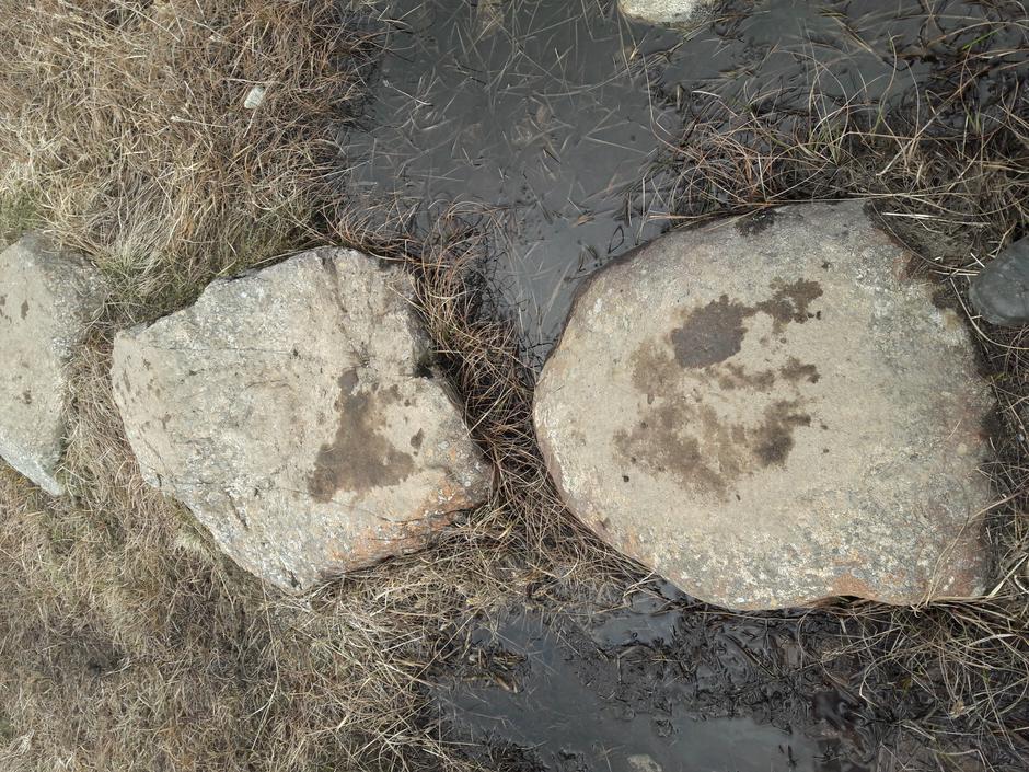 Fra stein til stein på stien til Steinkjerringa.