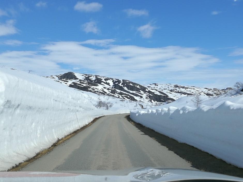 Veien inn Flatstødalen er snøfri.