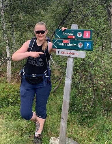 Hilde Iren er glad i både kort og lange turer. Trening og squash står også høyt på listen når hun ikke er på tur. Favoritthytta er Viglesdalen.