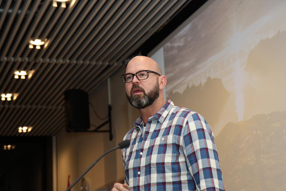 Generalsekretær i DNT, Dag Terje Solvang, holdt et engasjert innlegg under stiftelsen av Lørenskog Turlag og oppfordret turlaget til å tenke stort.