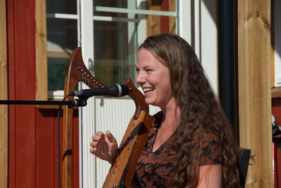 Sunniva Berg bidro med vakker sang.