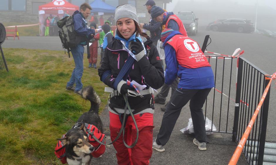 Hunden er med på 7-fjellstur