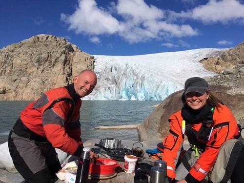 Padling blandt isfjell