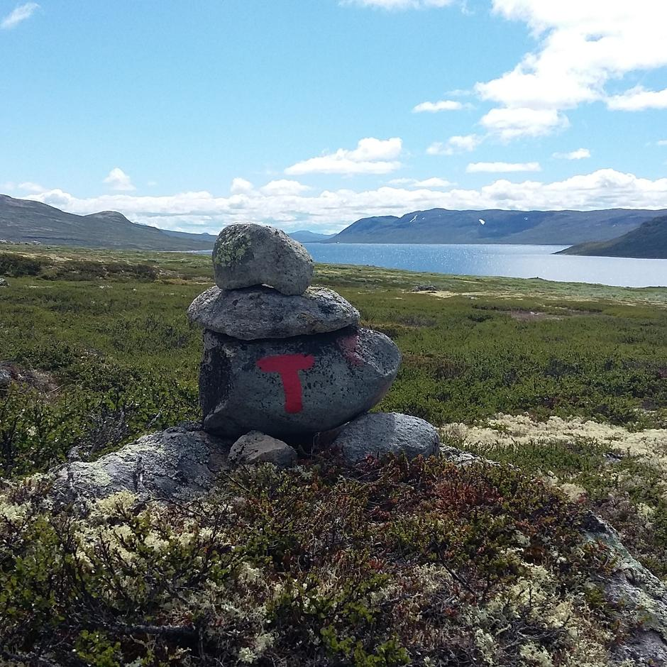 Mårvatn på Hardangervidda. Tur mellom Mårbu og Kalhovd