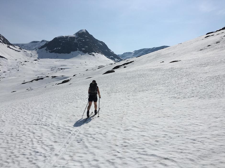 I Steindalen mot Tjønnebu