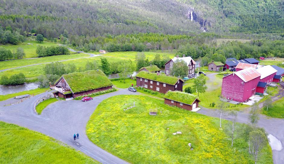 På fjellgården Kårvatn er Målarstua TTs selvbetjente hytte.