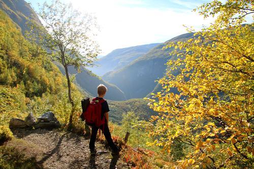 En pust i de bratte og tunge bakkene fra Vetti Gard til Vettismorki i Ultadalen.