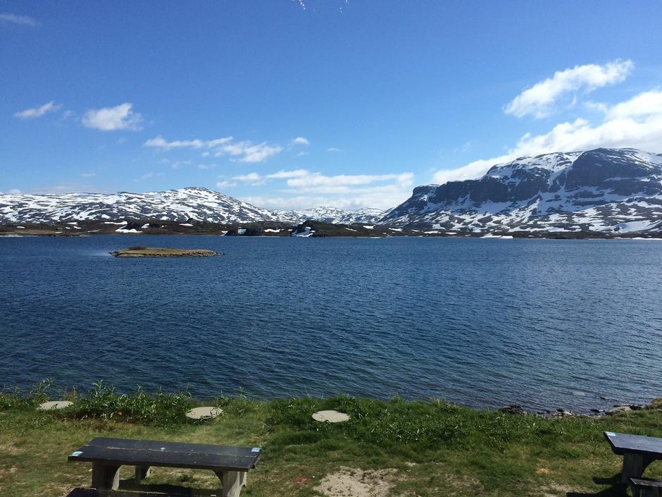 Nå er det bare å pusse fjellstøvelene og pakke tursekken for fottursesongen har tyvstartet på Haukelifjell.