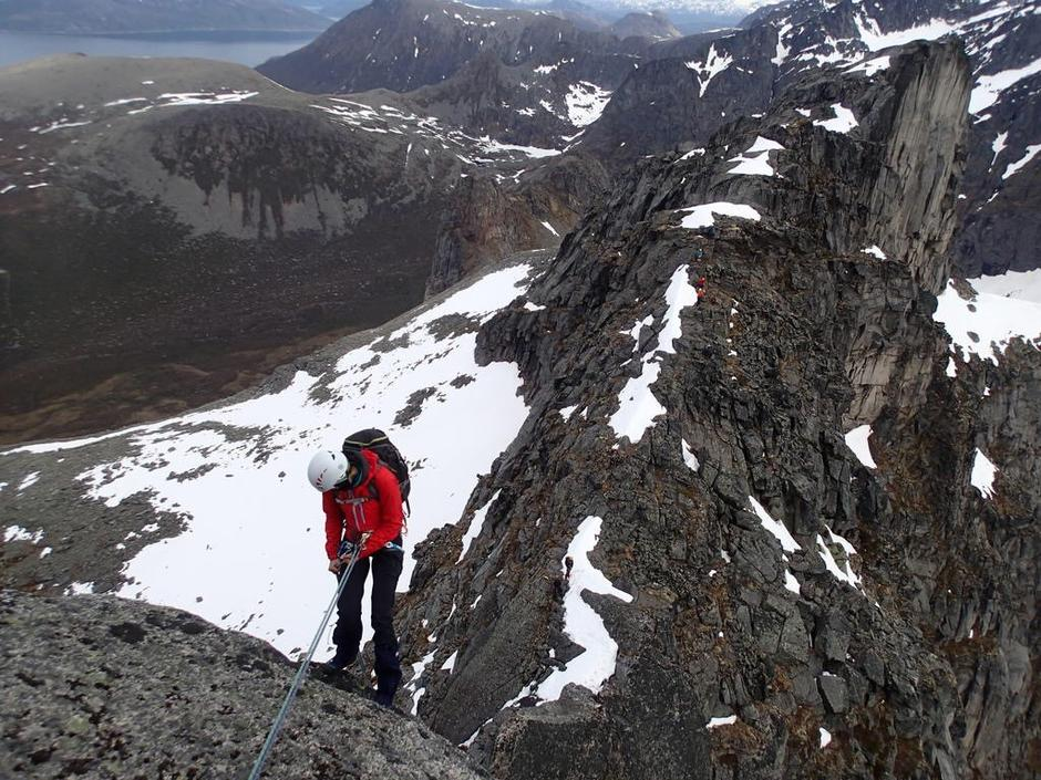 Rapellering ned fra Skamtind på Ersfjordtraversen