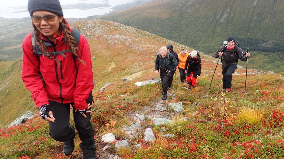 Chanpen Ngamprom fører an foran Svein Ranheim som har tatt veien fra Torvikbukt, May Kristin Dolen, Øyvind Svanemsli og Inger Kjønhaug.