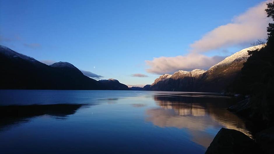 Stemingsbilde fra Lysefjorden. Snart er sesongen i gang for Lysefjorden rundt.