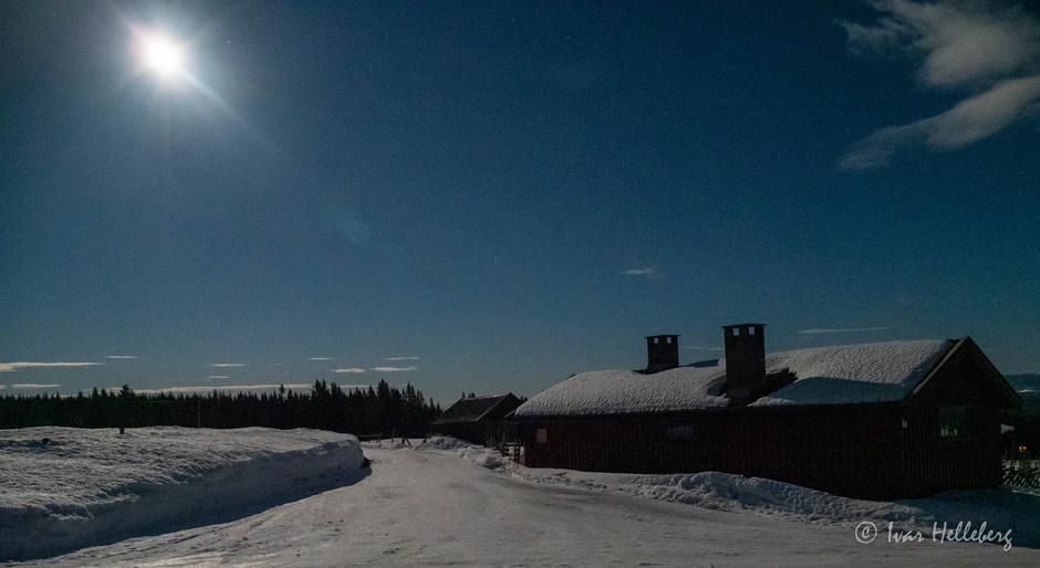 Måneskinnstur på Hedmarksvidda (her Savalsætra)