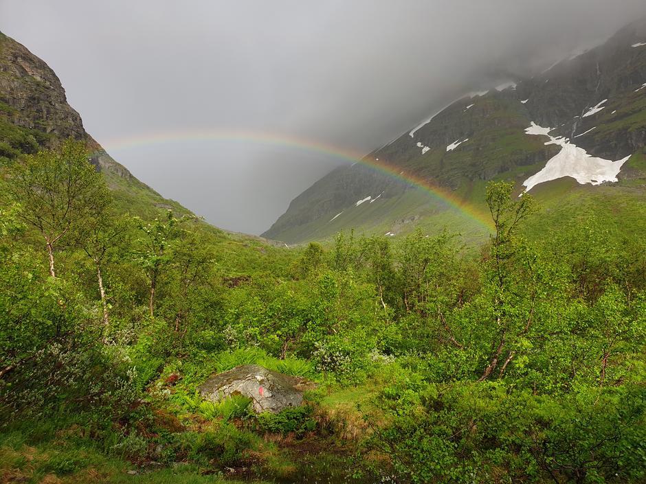 Skiftende vær og flott regnbue