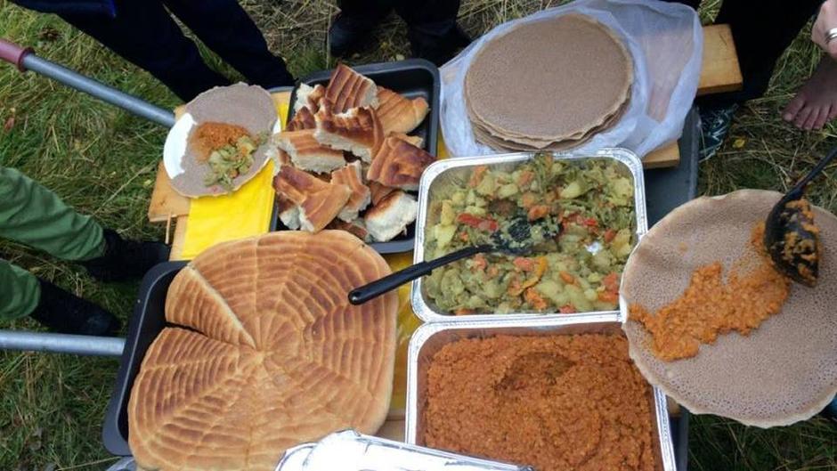 Injera er en tradisjonell eritreisk rett.