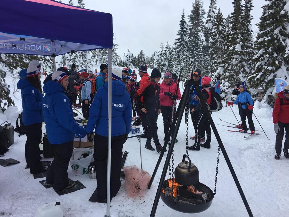 """Norsk Tipping kommer med """"drikkepåfyll""""-stasjon på Lavlia iår også"""