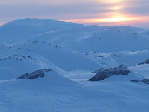 Fra toppen av Vossaskavlen, utsikt mot Osaskavlen.