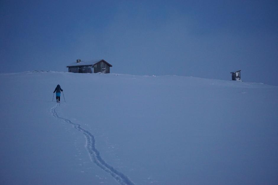 Ski mot Sotflyhytta med Explore Skjåk