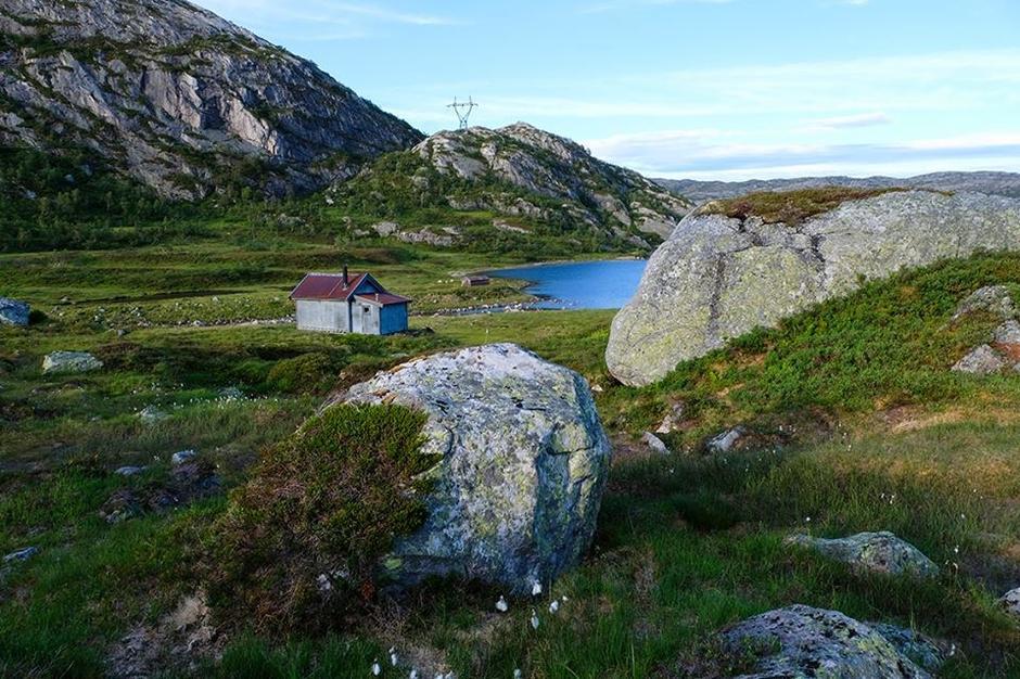 Heibergtunet Grautheller.Denne sjamrende hytta har plass til 4 personer og leies via vår hjemmeside.