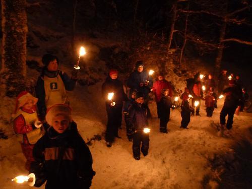 Kveldstur til Sæteren med fakkeltog, julegrøt og overnatting