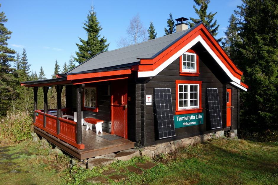 Lille Tømtehytta ligger på det samme koselige tunet som Store Tømtehytta.