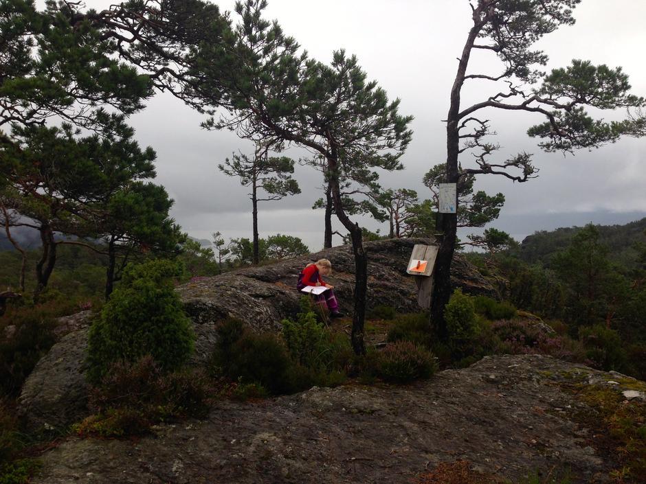Tjoberghaugen, Halsnøy, eit av turmåla i Kvinnherad Fjelltrim