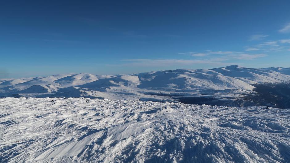 Utsikt fra Storivilen (2068 moh). Uke 6, 2021.