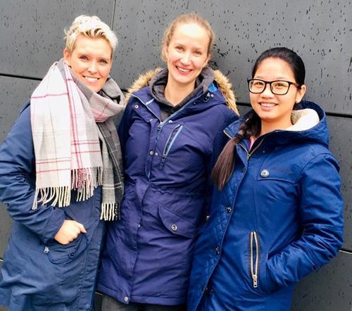 Ergoterapistudenter Vibeke R. Hansen, Stine E. Aarhaug og Linh Stenseth har kartlagt to STF hytter.