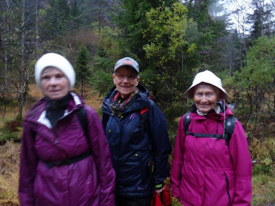 Imponerande 3 x 79 år! Forbildene Reidun, Laila og Målfrid.