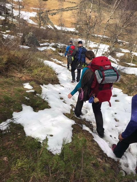 Fortsatt litt snø på vei til Kvitlen helgen 5-6 mai.