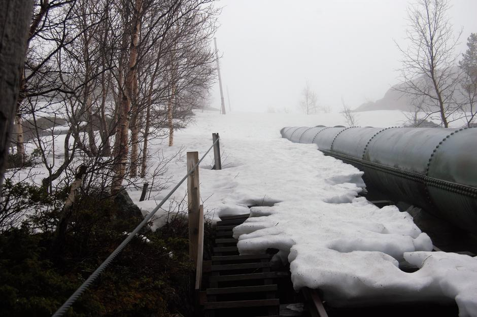 Toppen av Flørlitrappene. Bildet er tatt rundt 5 mai men det ligger fortsatt en del snø
