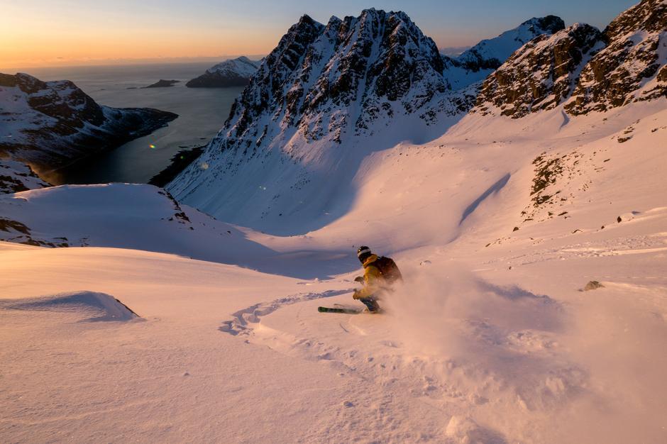 STOR OPPLEVELSE: Toppturfristelsene er mange i Tromsø. Styrmannstinden på Kvaløya er virkelig en av dem du bør gi etter for.