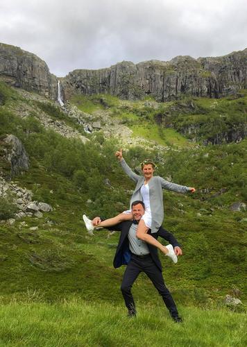 Eventyrlig fjellbryllup på Sandsa turisthytte!