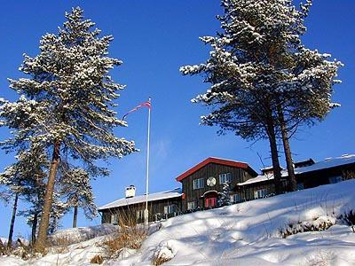 Du kan fremdeles gå på ski inn til Kobberhaughytta