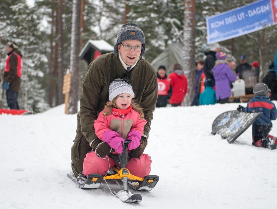 Vi håper på snø og mye lek på søndag!