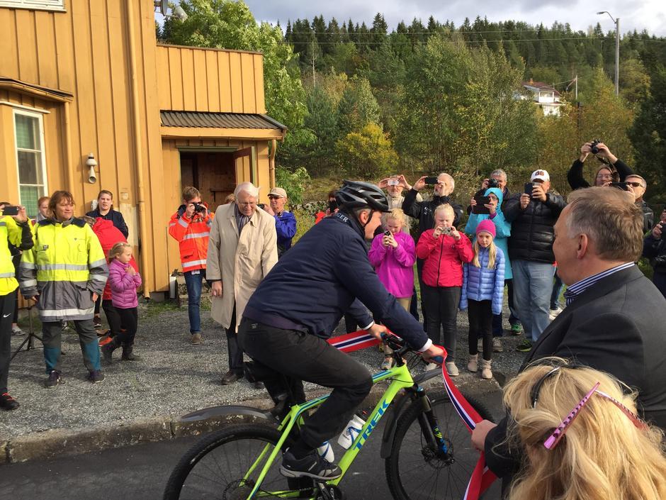 Samferdselsministeren åpnet ny sykkelvei i september 2016