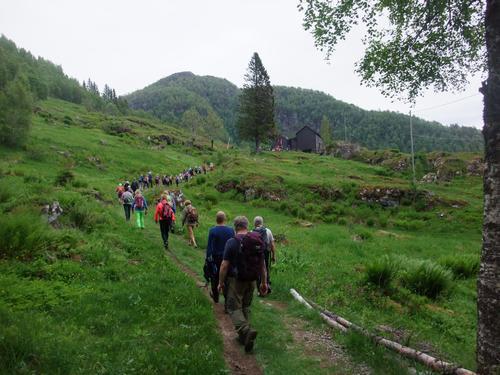 Jubileumsvandring langs Kongevegen med Voss Utferdslag 2015